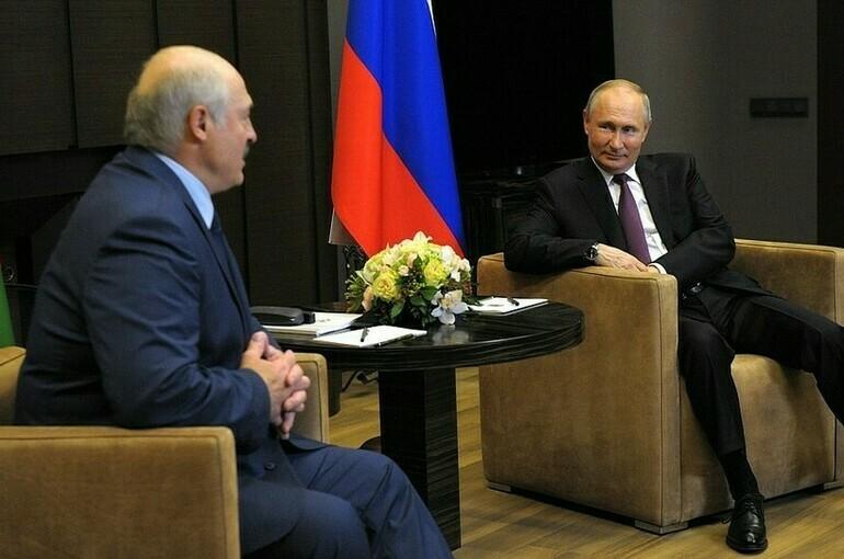 Путин и Лукашенко продолжают неформальное общение в Сочи