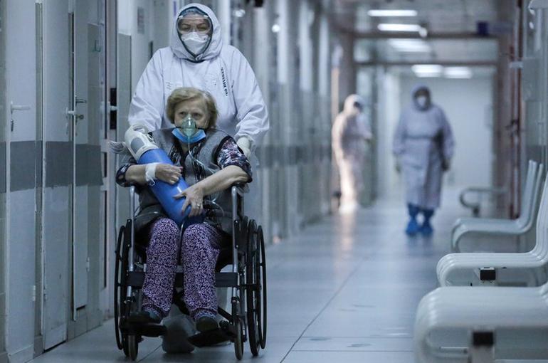В России за сутки выявили 9694 заразившихся COVID-19