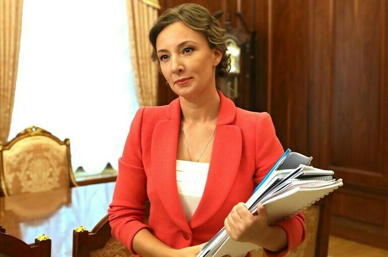 Кузнецова: нужно предусмотреть механизм возврата излишне уплаченных детских пособий
