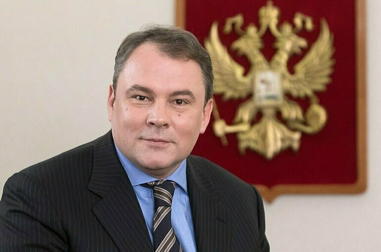 Толстой возглавил московское отделение «Единой России»