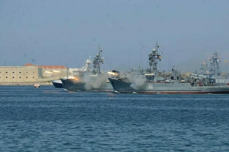 Черноморский флот примет участие в более чем 20 крупных учениях
