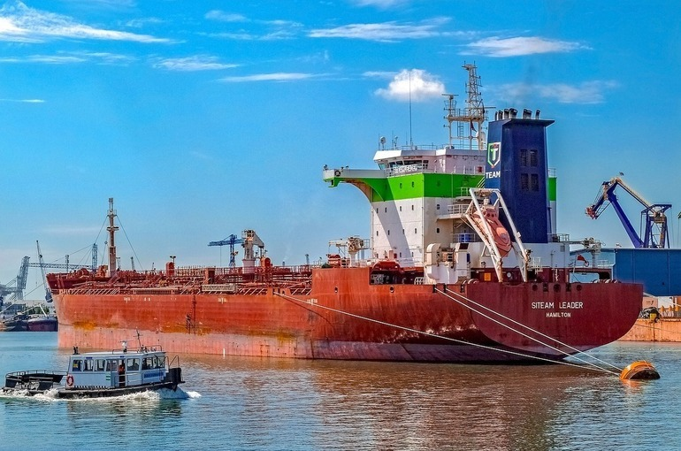 Плавучие газохранилища предлагают регистрировать в реестре судов