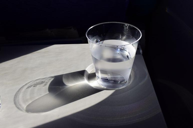 Диетолог назвал лучшую для употребления температуру воды