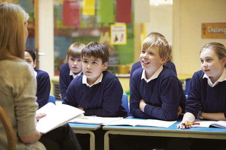 В ЛДПР предложили зафиксировать учителям зарплату на уровне не ниже четырёх МРОТ
