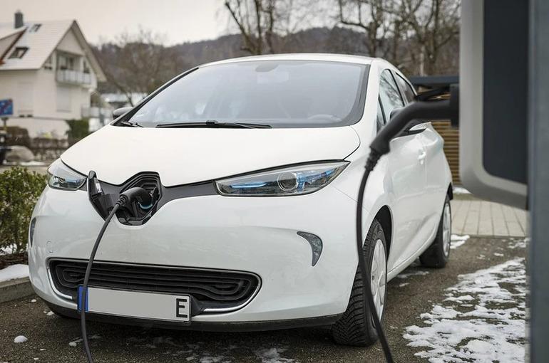 Федоров: план по развитию электросетей должен учитывать электромобили