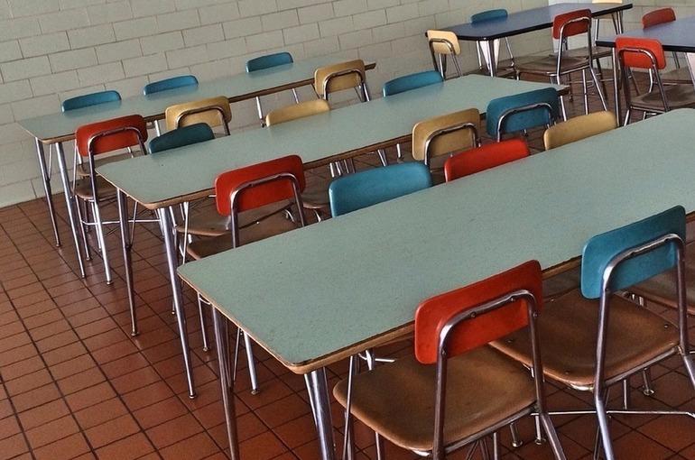 Матвиенко предложила сенаторам позавтракать вместе со школьниками