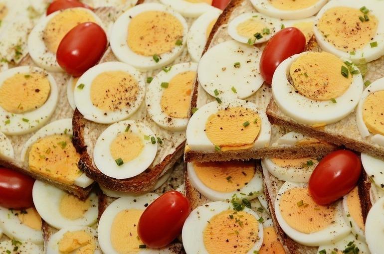 Роспотребнадзор: 64 организации внесены в реестр недобросовестных поставщиков школьного питания