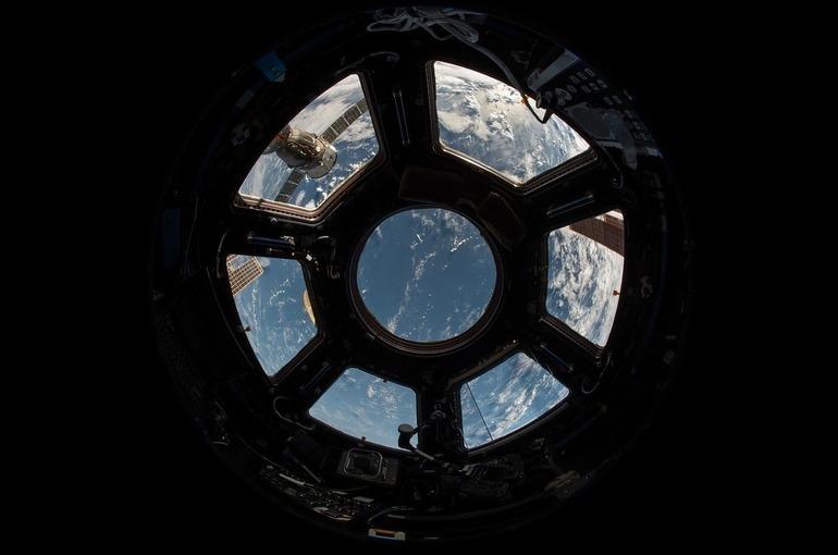 Российские космонавты совершили первый в этом году выход в открытый космос