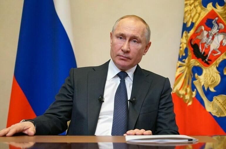 Выполнение послания парламенту находится «намарше», заявил президент