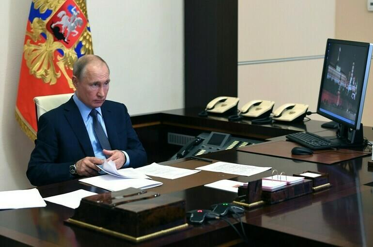 Путин: нельзя экономить на мобильных медкомплексах, так как «скупой платит дважды»