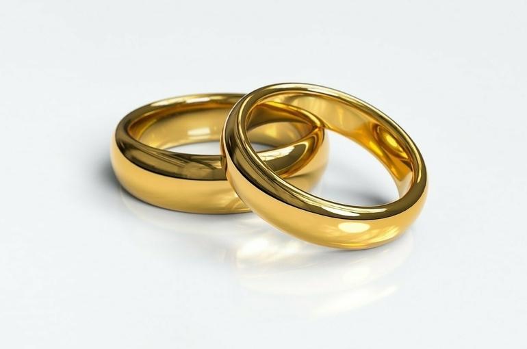 В России в начале года уменьшилось количество разводов