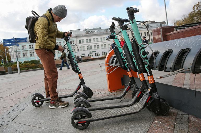 Депутат предложил вывести электросамокаты на велодорожки