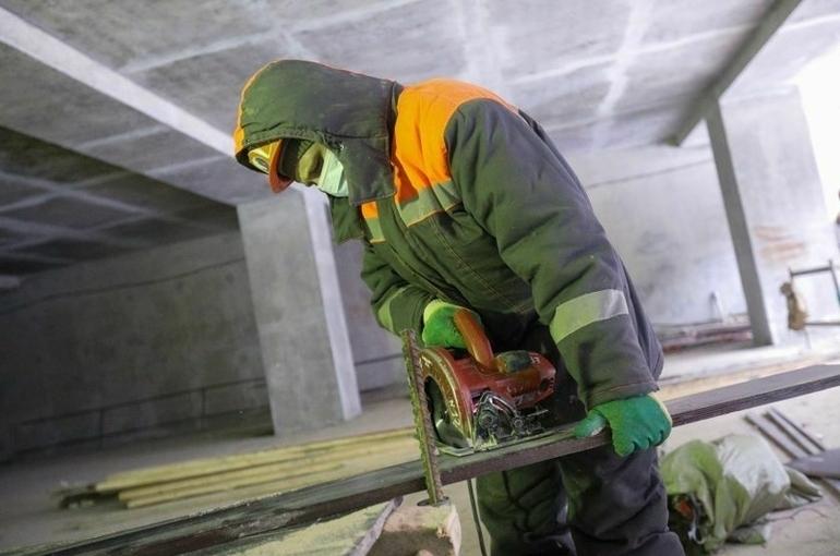 Работодателей хотят обязать контролировать безопасность труда «чужих» сотрудников