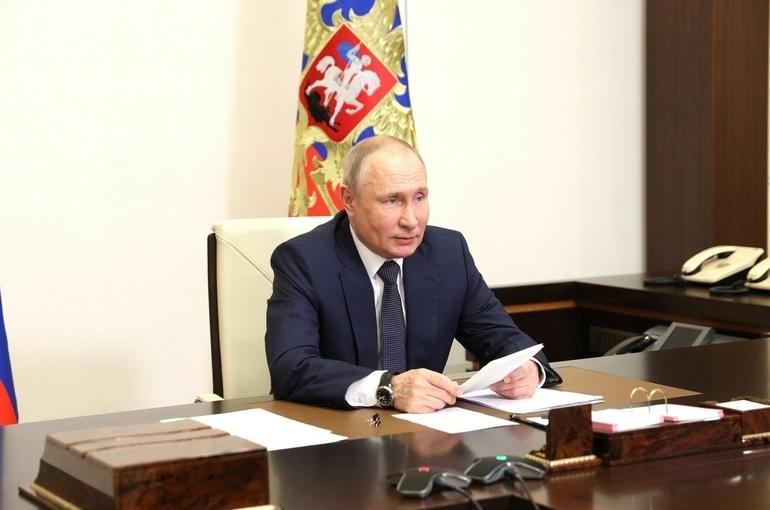 Путин заявил о завершении укладки первой нитки «Северного потока-2»