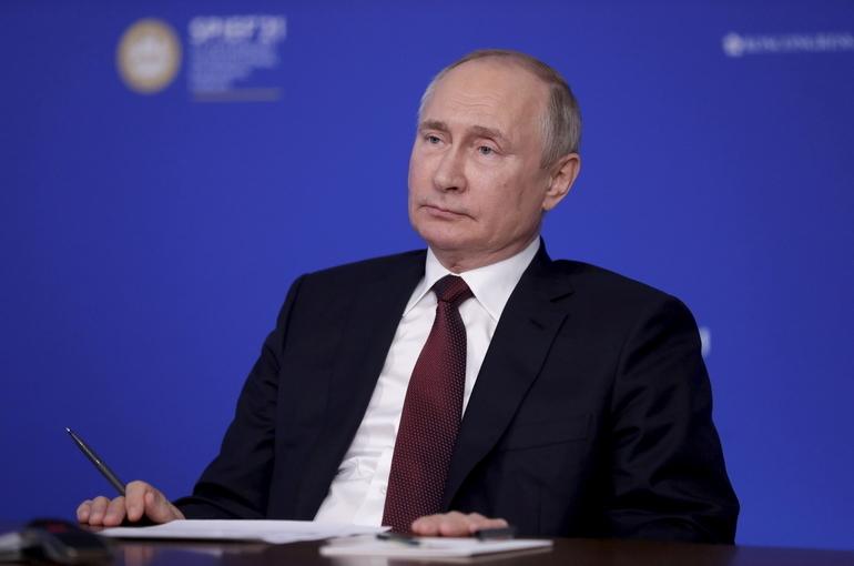 Путин назвал возможные сроки начала свободных поездок россиян за рубеж
