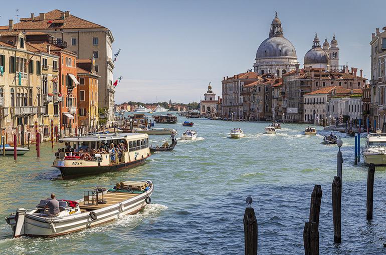 В Италии увеличивается количество «белых зон» низкой опасности COVID-19