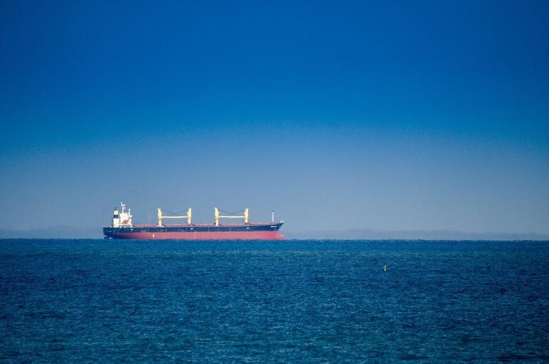 Перевозить нефть будут только на российских судах