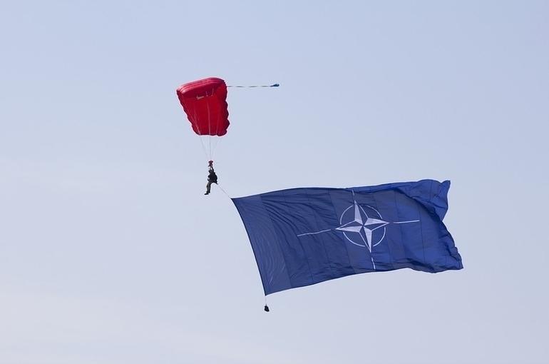 Столтенберг предложил провести заседание Совета Россия — НАТО