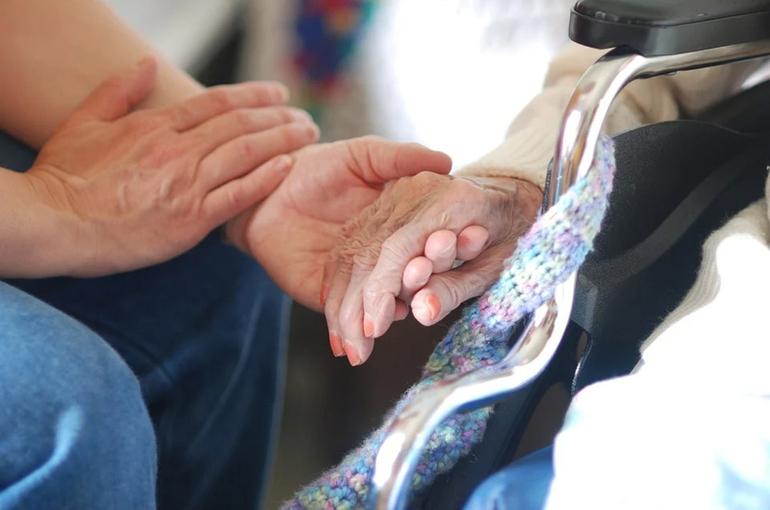 Путин: система ухода за пожилыми и инвалидами к 2022 году охватит всю Россию