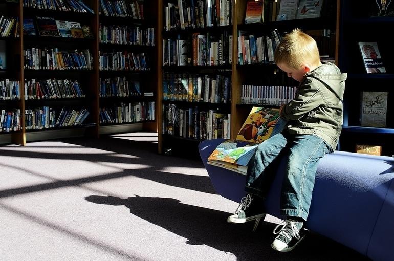 Во всех округах Подмосковья открыли летние читальные залы