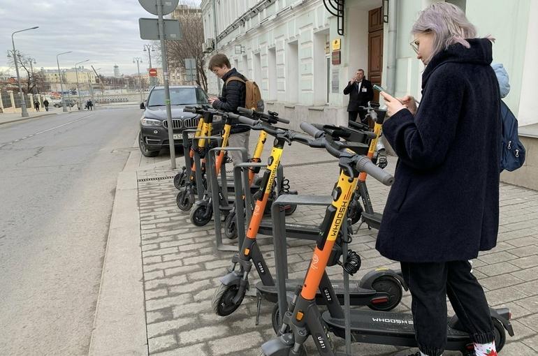 Девушка на электросамокате сбила ребёнка в Петербурге