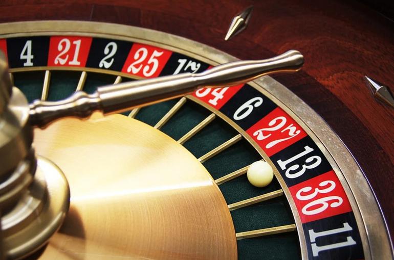 Денежные переводы в нелегальные онлайн-казино хотят остановить