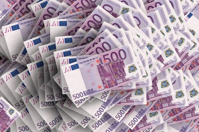 Курс евро обновил минимум с марта