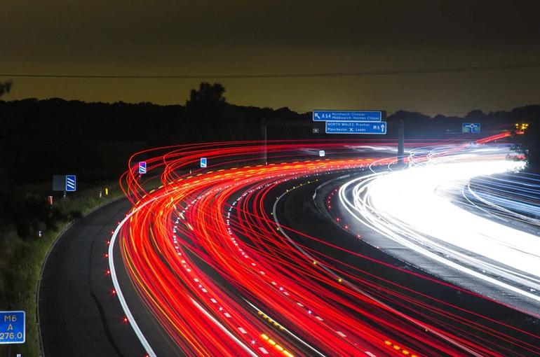 В ГИБДД выступили за ревизию дорог для снижения скорости в городах до 30 км/ч