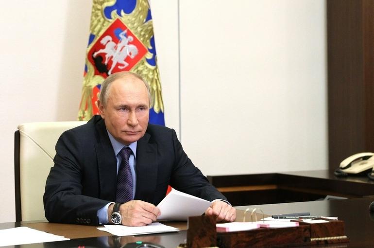Путин назвал глупым украинский законопроект о коренных народах
