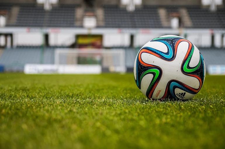 УЕФА обязал Украину убрать с формы сборной политический лозунг