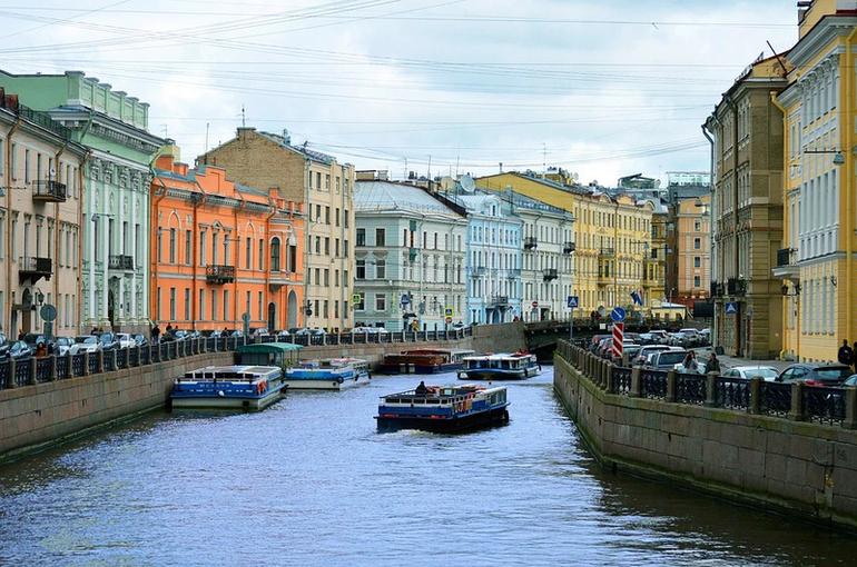 В Санкт-Петербурге ограничили число зрителей культурных мероприятий