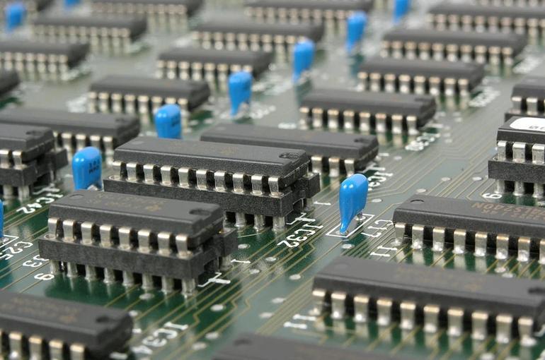 В Минцифры предложили внедрить единое регулирование рынка радиоэлектроники