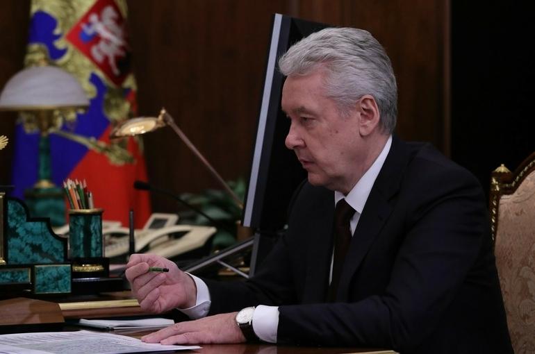 В Москве не планируют ужесточать противоэпидемические меры, заявил Собянин