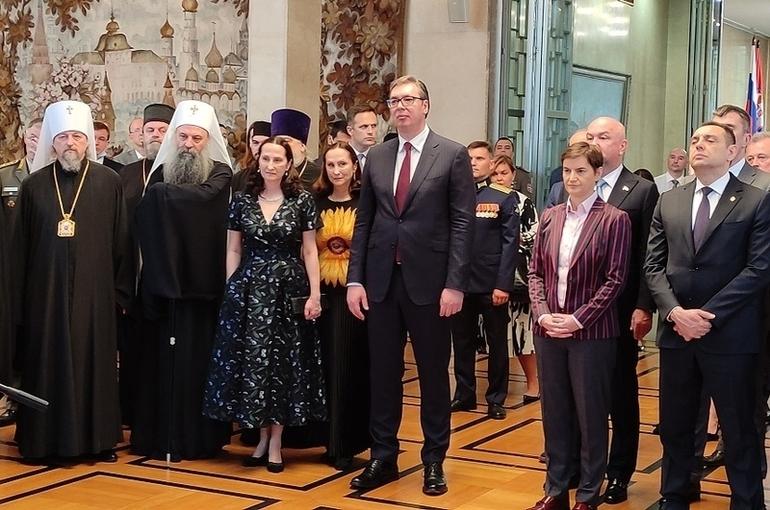 Вучич поздравил Путина с Днём России