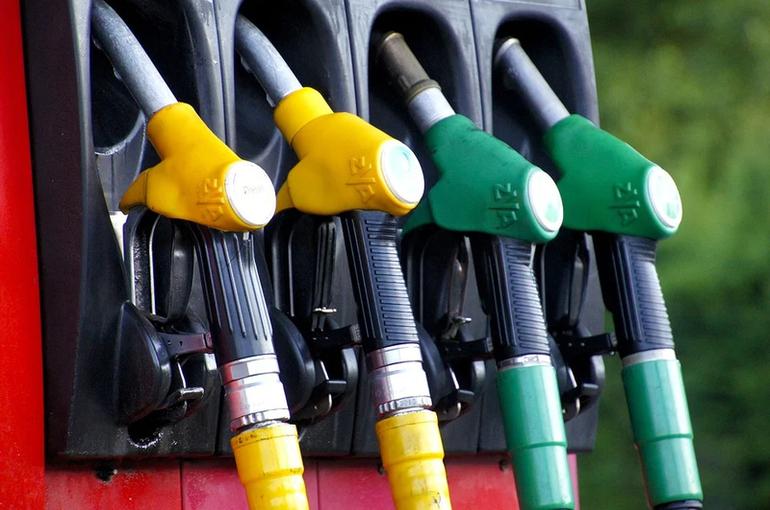 Нормативы по продаже бензина на бирже хотят повысить