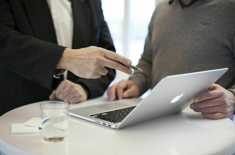 Google и Apple отреагировали на приглашение Совфеда участвовать в заседании комиссии
