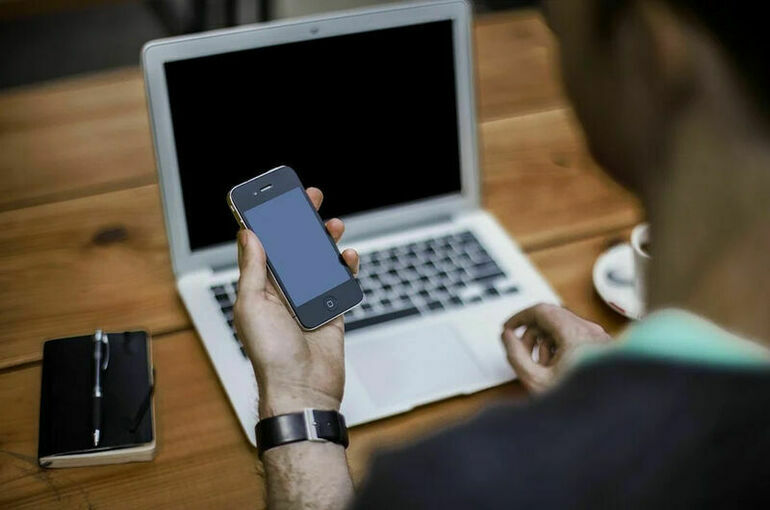 Роскомнадзор ждёт от Google и Apple удаления «Умного голосования»