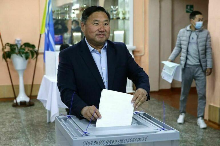 ЦИК: Ховалыг лидирует на выборах главы Тувы с 97,82% после обработки первых бюллетеней