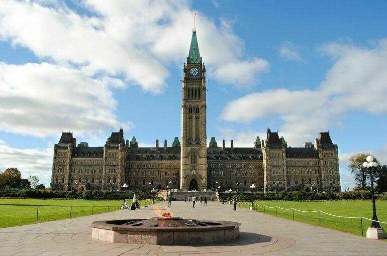 Правящая партия выиграла выборы в Канаде