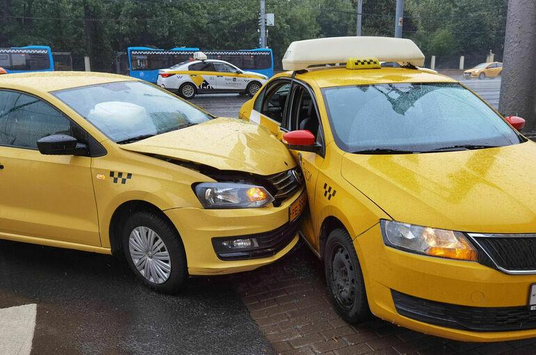 На агрегаторы могут возложить ответственность за безопасность пассажиров такси