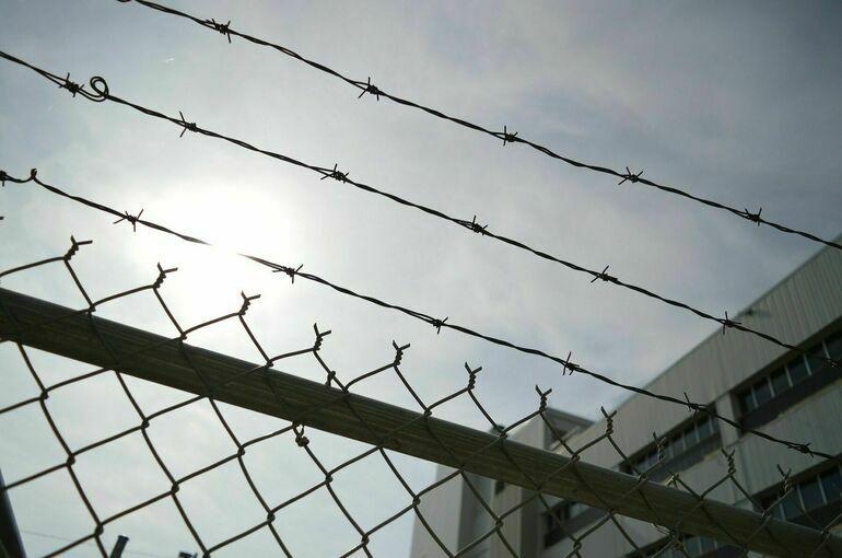Верховный суд призвал не сажать в тюрьму за нетяжкие преступления, совершённые из-за бедности