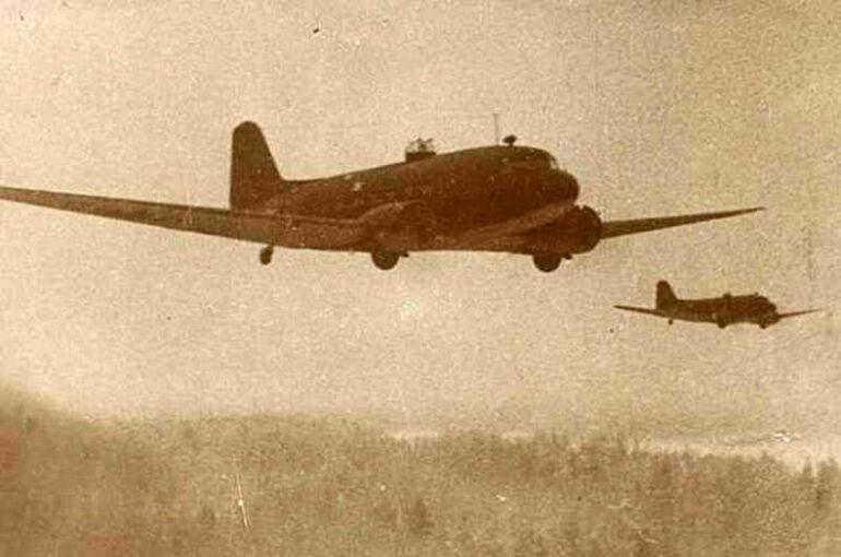 Воздушный мост в блокадный Ленинград организовали гражданские пилоты
