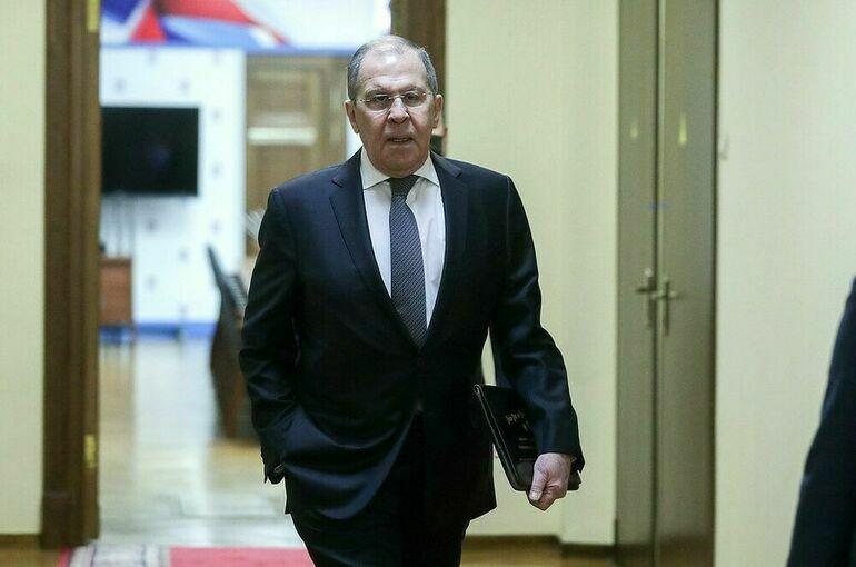 Лавров впервые встретился с новой главой МИД Великобритании