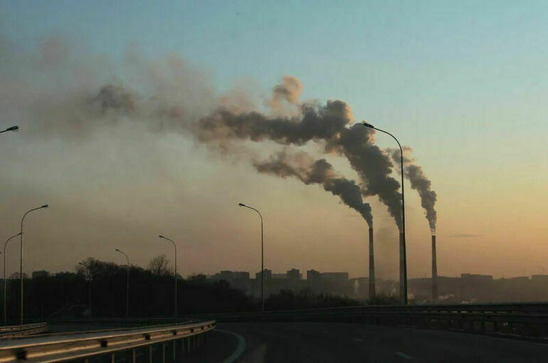 СМИ: в кабмине готовят российский аналог углеродного сбора Евросоюза
