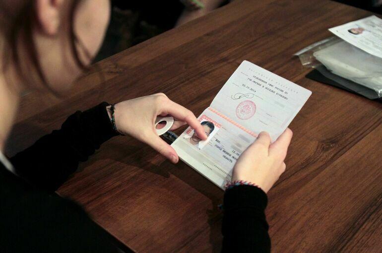 Минздрав хочет разрешить предъявлять вместо полиса ОМС паспорт