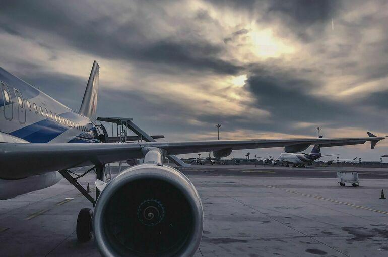 Двенадцать авиарейсов были задержаны в Сочи из-за грозы