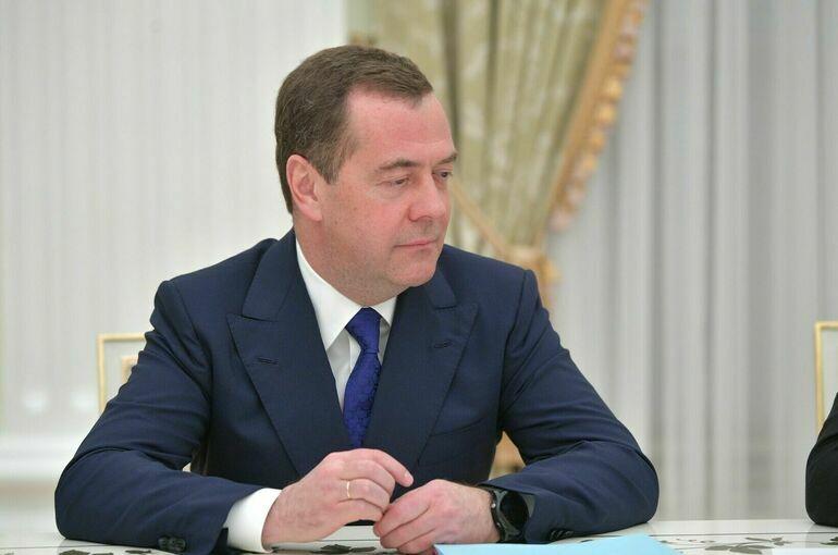 Медведев: «Единая Россия» одержала убедительную победу на выборах
