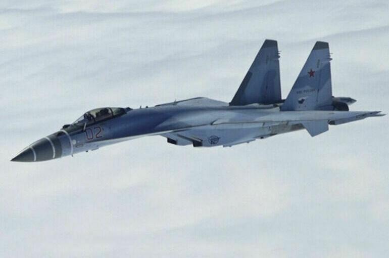 Российские истребители перехватили бомбардировщик США над Тихим океаном