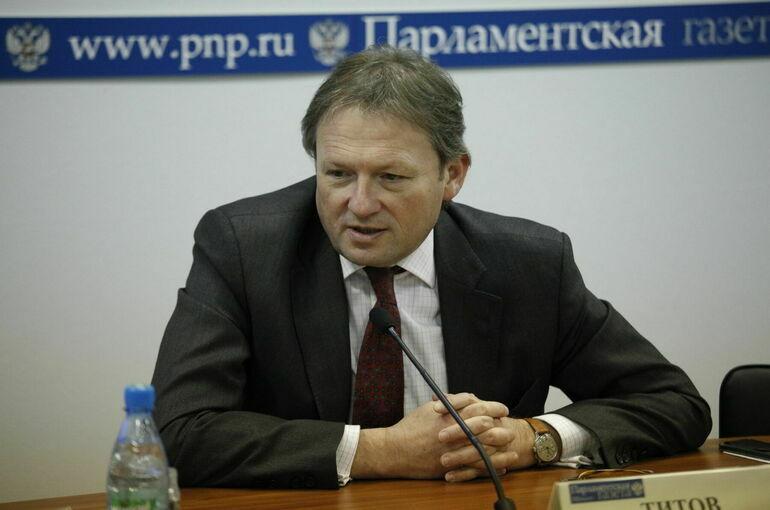 Титов предложил проверить законность требований о сокращении пособий по родам
