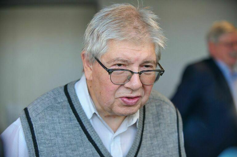 Критик высказался о смерти киноведа Разлогова